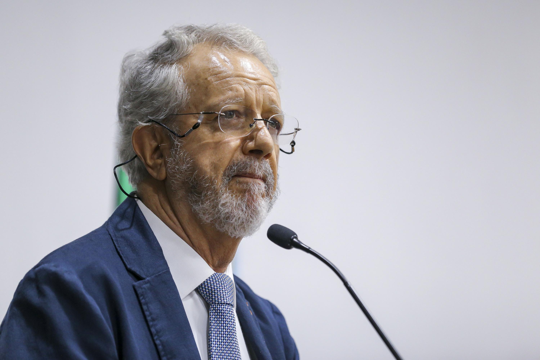 El Jefe del Departamento de Estudios Internacionales del CUCSH, doctor Roberto Hernández Hernandez, en uso de la palabra