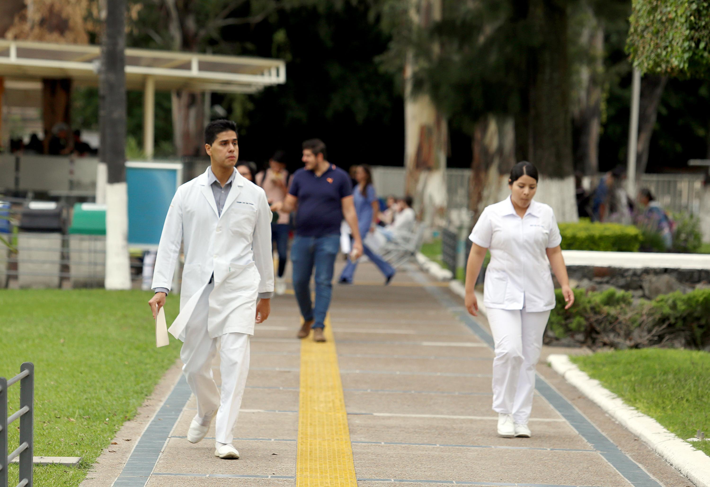 Estudiantes de Centro Universitarios de Ciencias de la Salud