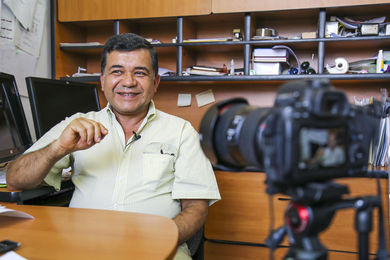 El doctor Mario Alberto Ramírez Herrera, docente en los doctorados en Ciencias Biomédicas y Farmacología del CUCS