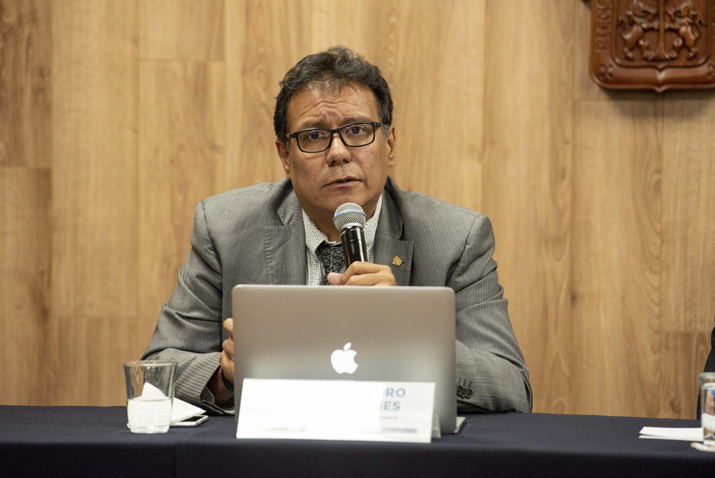 El Coordinador de la Maestría de Innovación y Diseño Industrial del plantel, maestro Alejandro Briseño Vilches, en uso de la palabra