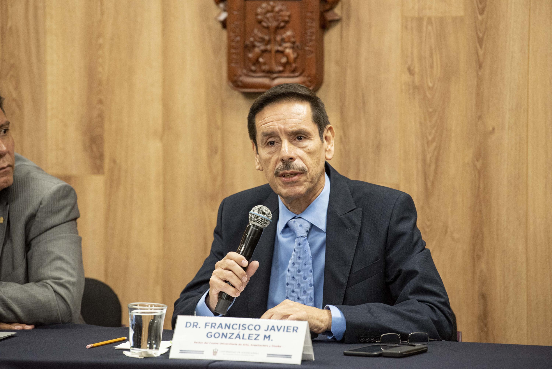 El Rector del Centro Universitario de Arte, Arquitectura y Diseño (CUAAD), doctor Francisco Javier González Madariaga, en uso de la palabra