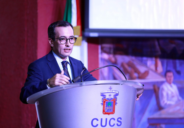 El titular de la CGA, doctor Carlos Iván Moreno Arellano, en uso de la palabra