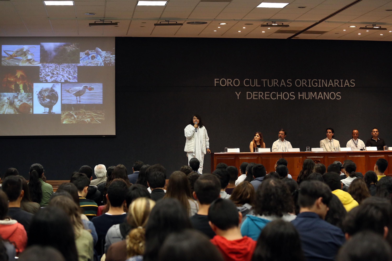 La representante de la Cátedra Unesco de Igualdad y No Discriminación, del Centro Universitario de Ciencias Sociales y Humanidades (CUCSH), licenciada Enya Judith Gómez Mascot,,en uso de la palabra
