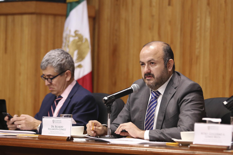En sesión extraordinaria del Consejo General Universitario (CGU), celebrada esta mañana en el Paraninfo Enrique Díaz de León, el Rector General, doctor Ricardo Villanueva Lomelí