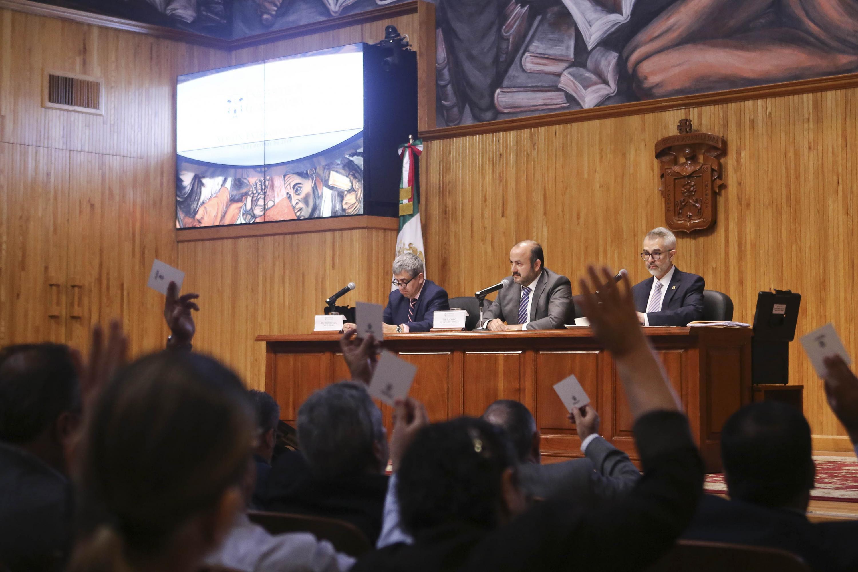 En sesión extraordinaria del Consejo General Universitario (CGU), celebrada esta mañana en el Paraninfo Enrique Díaz de León
