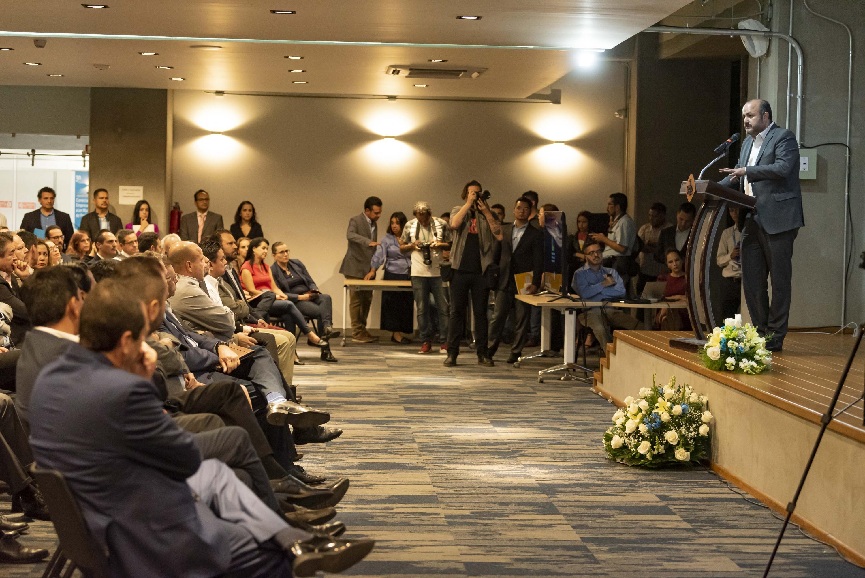 En las instalaciones de Ciudad Creativa Digital (CCD), el Rector General de la UdeG destacó que las universidades deben ser autocríticas y repensar los modelos educativos
