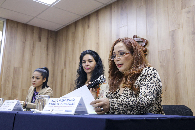 La responsable de Jurídico de Servicio Social, de la CGE, maestra Rosa María Rodríguez Villegas, en uso de la palabra