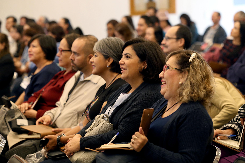 """Público asistente a la inauguración de """"Conectáctica"""", un encuentro entre académicos cuyo fin es reflexionar sobre temas educativos"""