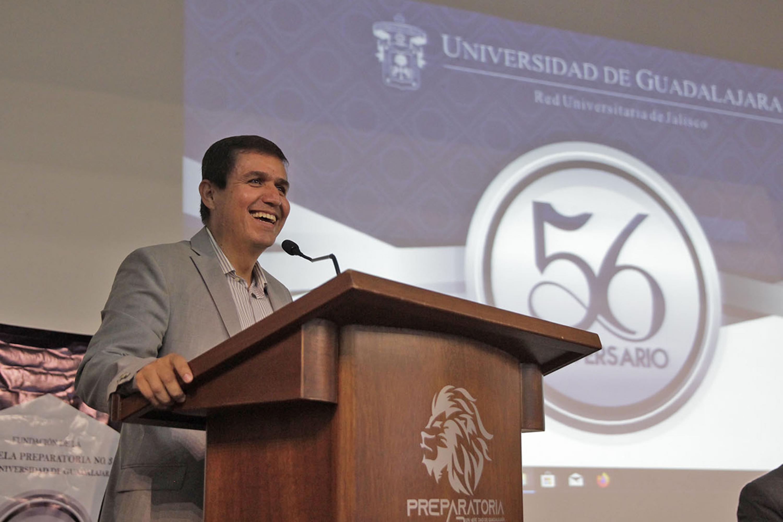 El maestro César Antonio Barba Delgadillo, director del Sistema de Educación Media Superior (SEMS)