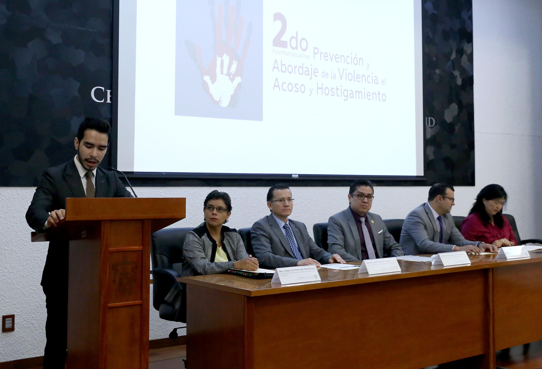 Académicos universitarios Foro Multidisciplinar Prevención y Abordaje de la Violencia, el Acoso y el Hostigamiento, en el CUCS