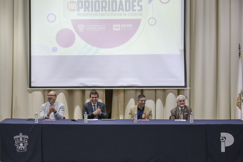 """Los resultados de la primera etapa de la consulta """"Tus Prioridades: presupuesto participativo en las escuelas"""", fueron dados a conocer por el Director del Sistema de Educación Media Superior (SEMS)"""
