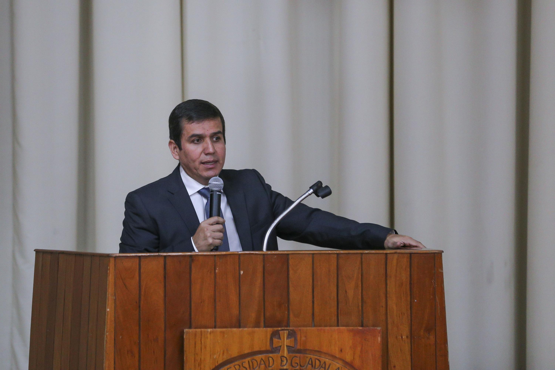 El Director del Sistema de Educación Media Superior (SEMS), de la Universidad de Guadalajara (UdeG), maestro César Barba Delgadillo, en uso de la palabra
