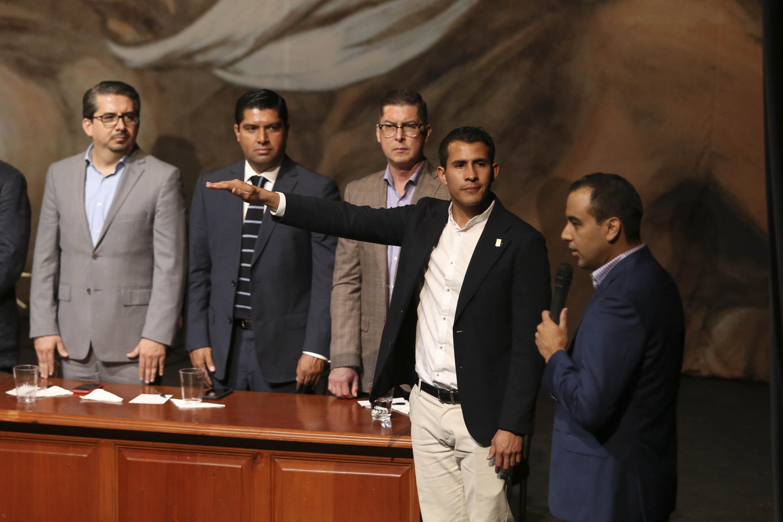 Jesús Medina Varela, el Presidente saliente tomo protesta a Javier Armenta Araiza como nuevo Presidente de la FEU