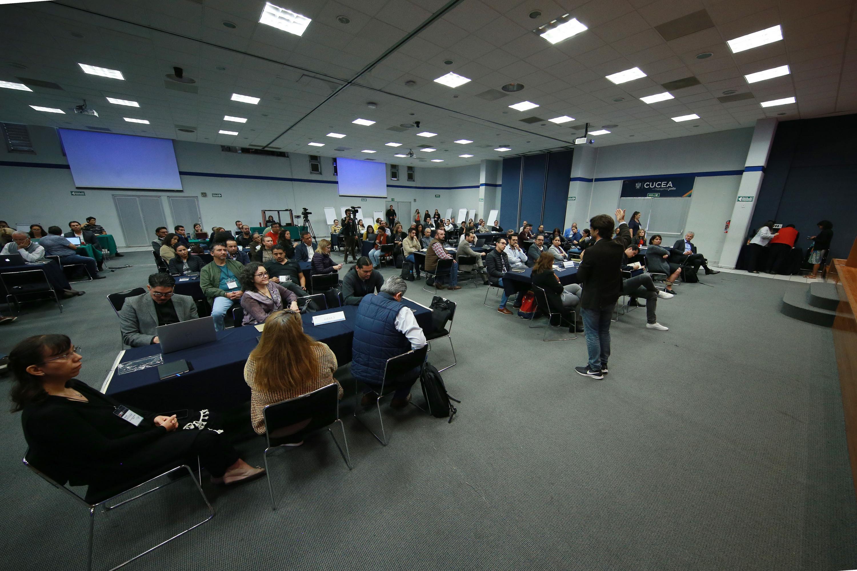 """La inauguración del Workshop """"Innovación educativa y transformación pedagógica"""", organizado por esa dependencia y que tiene como sede el Centro Universitario de Ciencias Económico Administrativas (CUCEA)"""