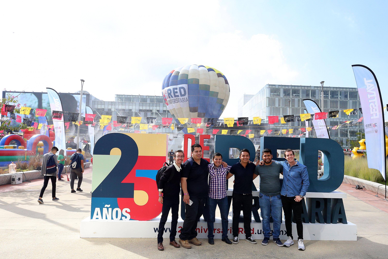 La celebración que la Universidad de Guadalajara (UdeG), para conmemorar los 25 años de creación de la Red Universitaria, concluyen este miércoles con el Festejo Metropolitano, en el Centro Cultural Universitario (CCU)