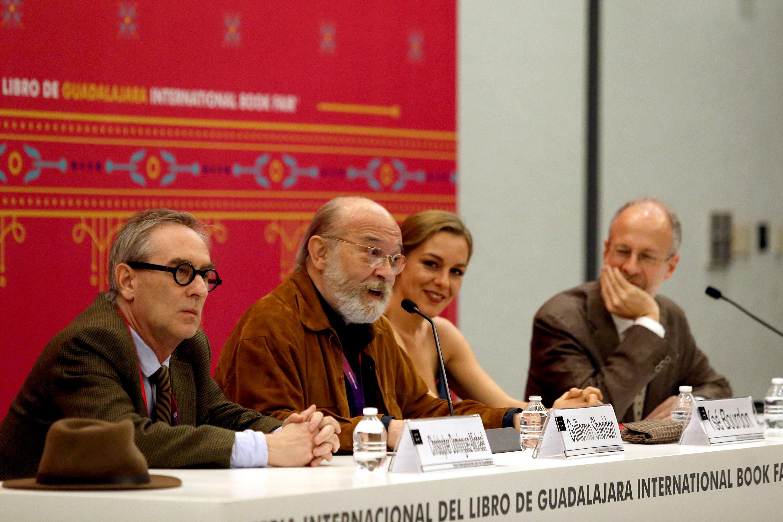 Los escritores Cristhopher Domínguez Michel, Guillermo Sheridan, Ysé Bourdon y Aurelio Major