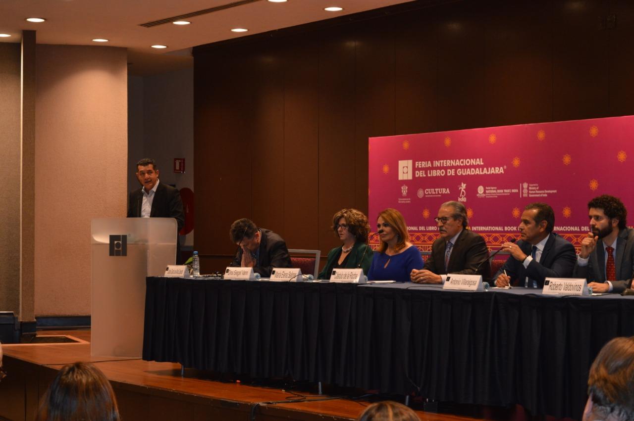 La bienvenida estuvo a cargo del Vicepresidente Ejecutivo de la Fundación Universidad de Guadalajara en EUA, Luis Gustavo Padilla Montes