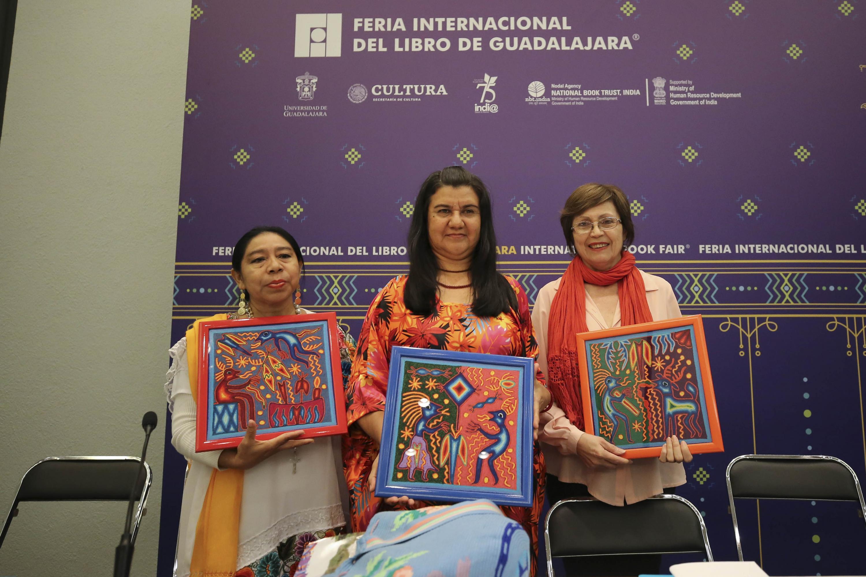 Las escritoras fueron homenajeadas  Susy Delgado, de origen guaraní; Briceida Cuevas (maya) y Vicenta María Siosi (wayuu)