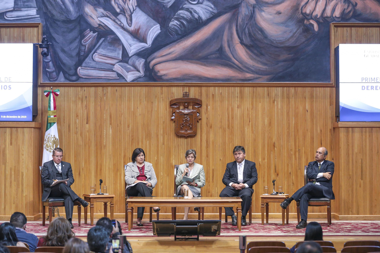 Autoridades universitarias y de gobierno en el  Congreso Nacional de Derechos Universitarios