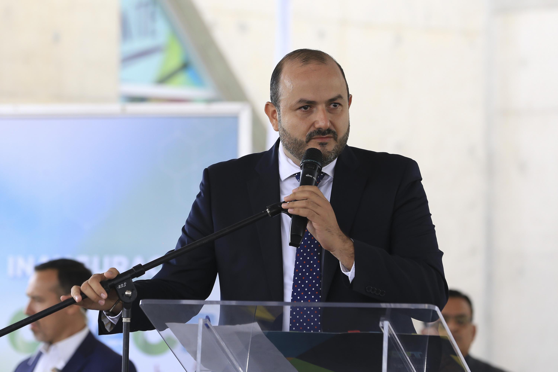 Rector del plantel, doctor Ricardo Villanueva Lomelí, haciendo uso de la palabra durante la inauguración del CReCE