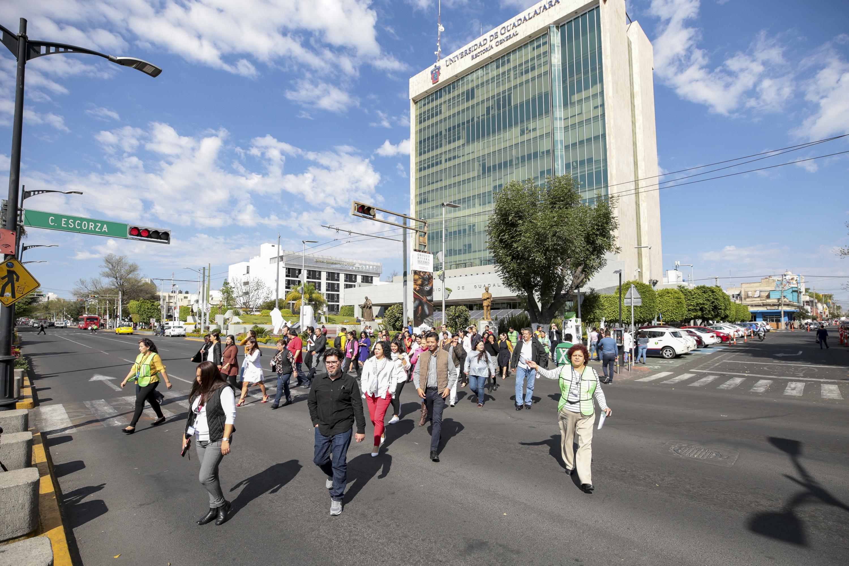 La Universidad de Guadalajara (UdeG) se sumó al simulacro nacional convocado por el Sistema Nacional de Protección Civil y la Unidad Estatal de Protección Civil y Bomberos de Jalisco