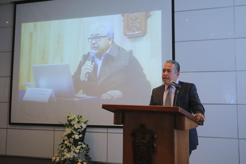 Como un académico con vocación; un buen profesor y padre, y un amigo sincero fue recordado el doctor Héctor Luis del Toro Chávez