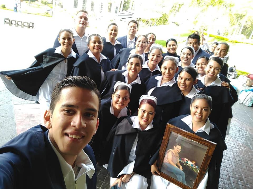 El pasado 6 de diciembre de 2019, 24 egresados de la primera generación de la Licenciatura en Enfermería que oferta el Centro Universitario de la Costa Sur (CUCSur) de la Universidad de Guadalajara