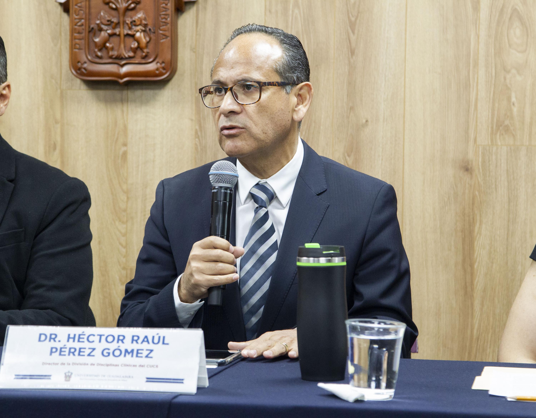 El Director de la División de Disciplinas Clínicas del CUCS, doctor Héctor Raúl Pérez Gómez, afirmó que es posible que el coronavirus llegue a México