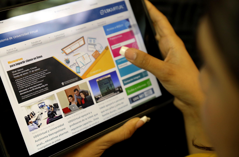 La educación a distancia, donde los estudiantes de la modalidad en línea