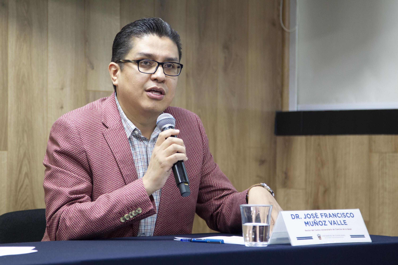 El Rector del Centro Universitario de Ciencias de la Salud (CUCS), doctor José Francisco Muñoz Valle, en uso de la palabra