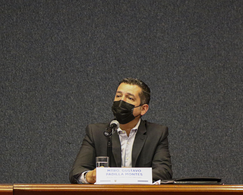 El Rector del Centro Universitario de Ciencias Económico Administrativas (CUCEA), maestro Gustavo Padilla Montes