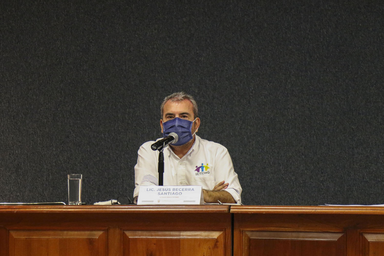El Secretario General del SUTUdeG, Jesús Becerra Santiago