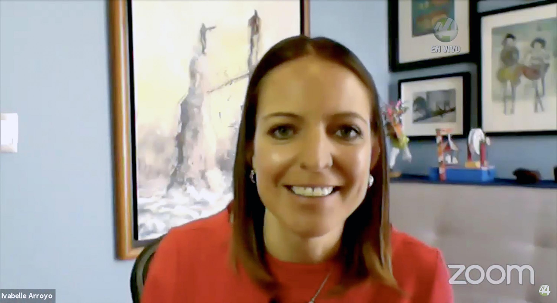 La moderadora del webinar, la periodista Ivabelle Arroyo