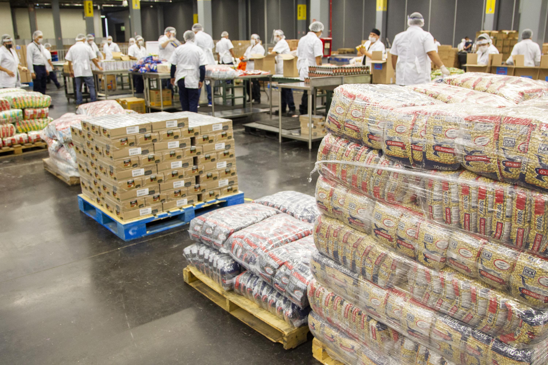 """Con ayuda del programa """"Jalisco sin hambre"""", del Gobierno de Jalisco, se busca entregar 60 mil despensas para combatir la desigualdad durante la contingencia"""