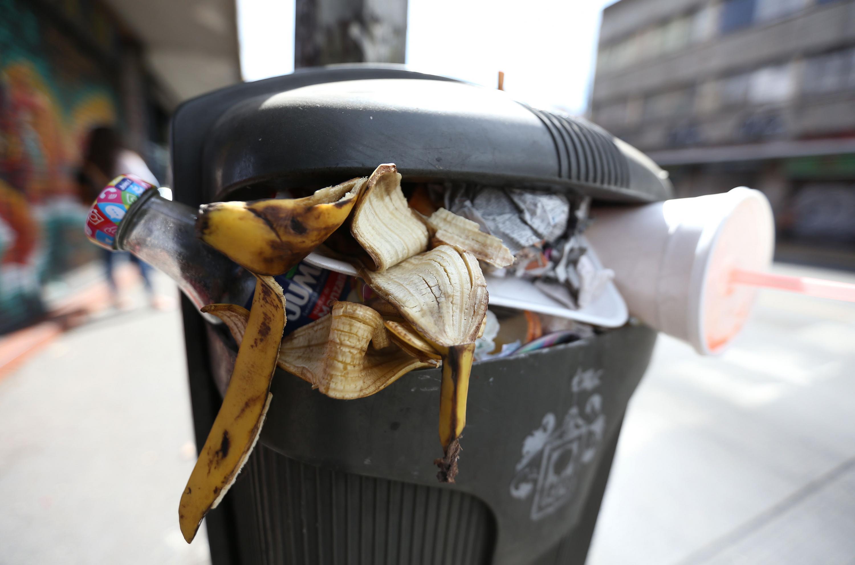 Más de la mitad de la contaminación que hay en el ambiente es producto de lo que es desechado en los hogares