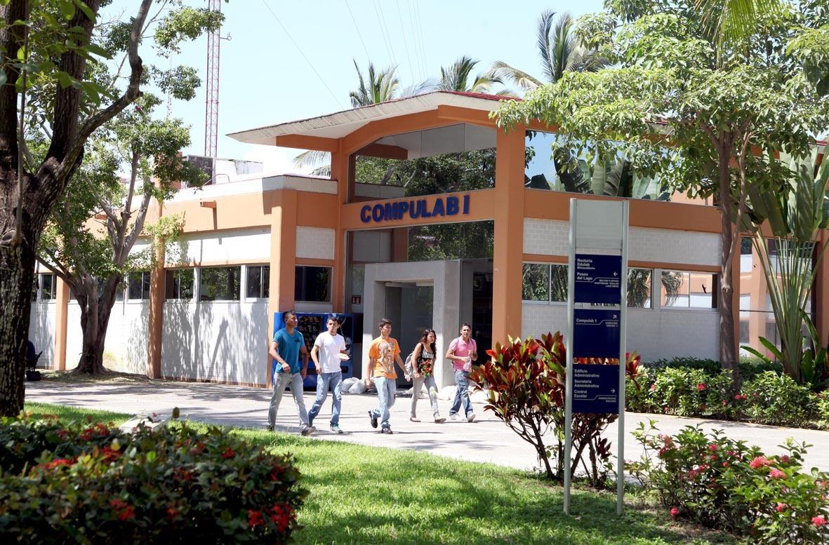 Instalaciones del Centro Universitario de la Costa (CUCosta), de la Universidad de Guadalajara, con sede en Puerto Vallarta
