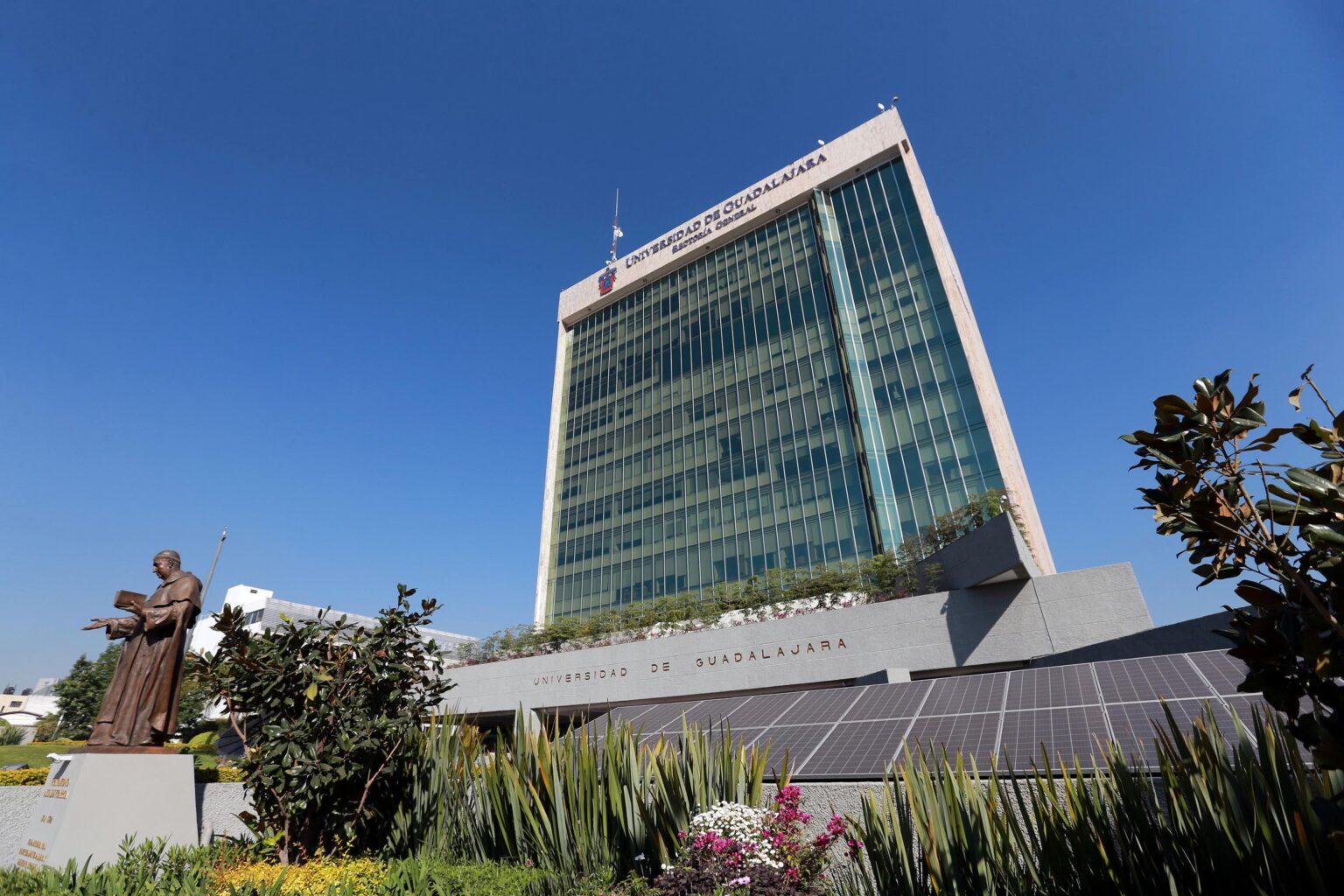 Fachada del edificio de Rectoria General de la Universidad de Guadalajara
