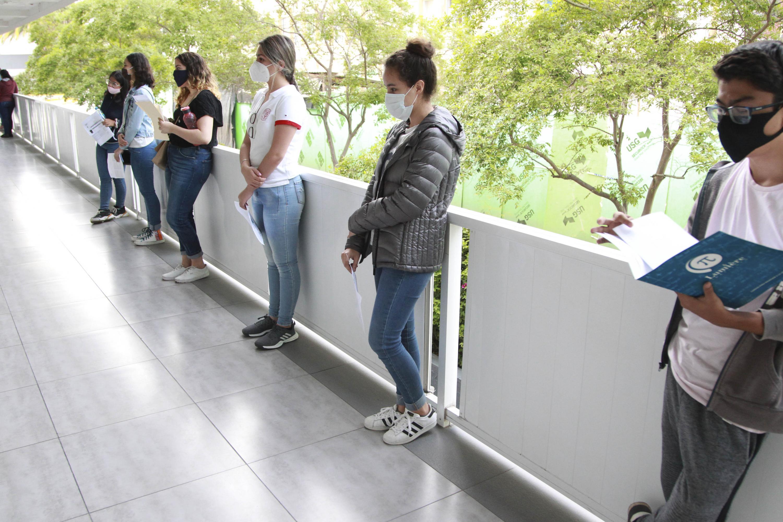 Este lunes realizan pruebas los aspirantes a 73 licenciaturas y técnico superior universitario