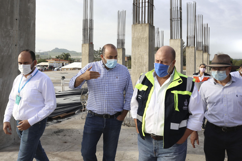 Autoridades de la Universidad de Guadalajara y el Gobierno de Jalisco hicieron un recorrido de supervisión de los trabajos
