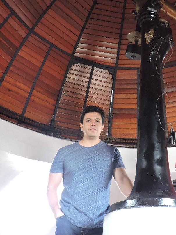 El maestro Edgar Iván Santamaría Domínguez, estudiante del doctorado en Ciencias en Física del Centro Universitario de Ciencias Exactas e Ingenierías (CUCEI)