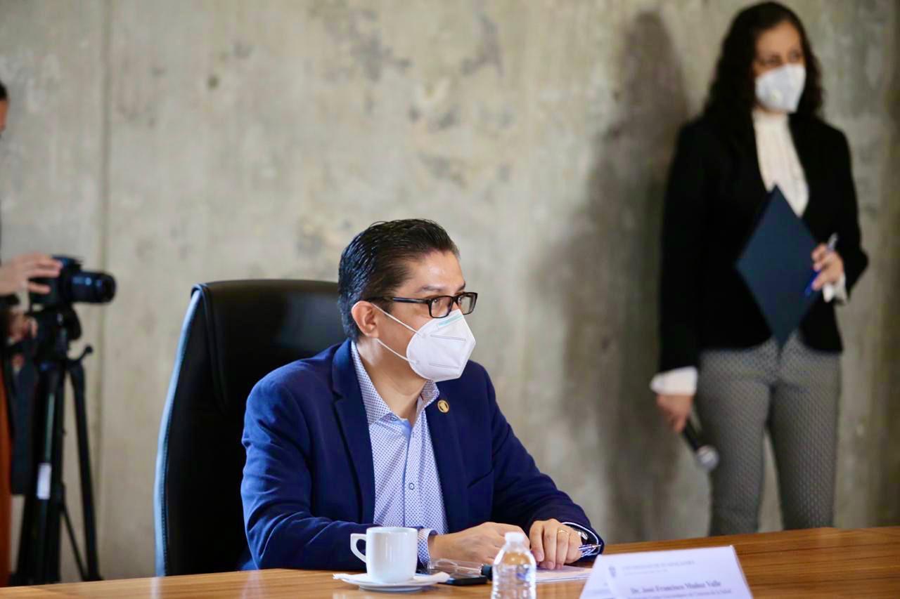 El Rector del Centro Universitario de Ciencias de la Salud (CUCS), doctor José Francisco Muñoz Valle