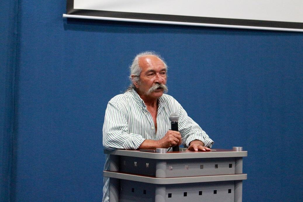 Arquitecto Juan Carlos Chavoya Gama, haciendo uso de la palabra