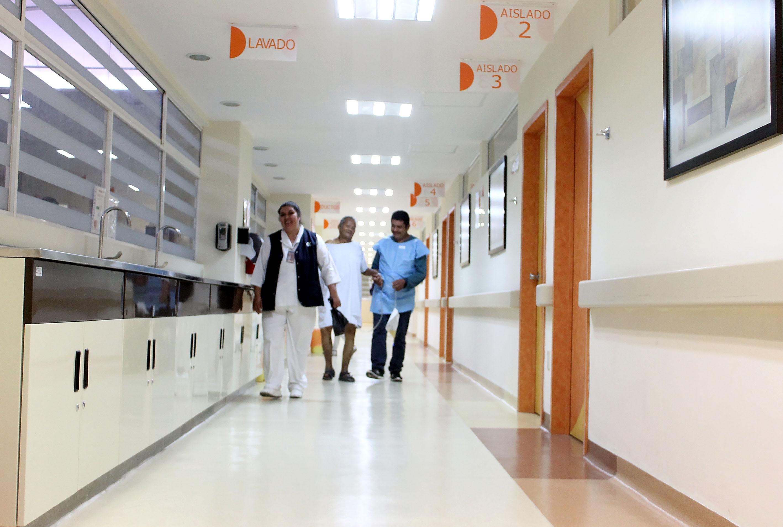 Atención de calidad, formación e investigación médica, fundamentales para el HCG, señala su director
