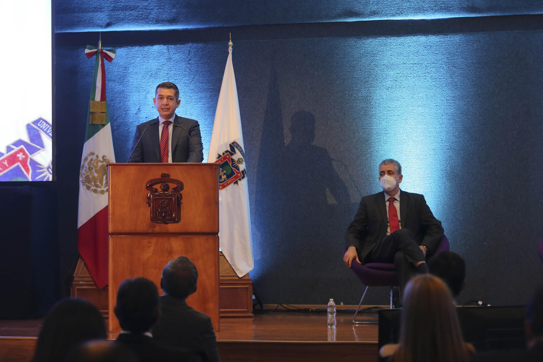 En su segundo informe, el Rector Gustavo Padilla Montes, destacó las acciones para enfrentar la adversidad del COVID-19 y el retorno escalonado y seguro a las aulas