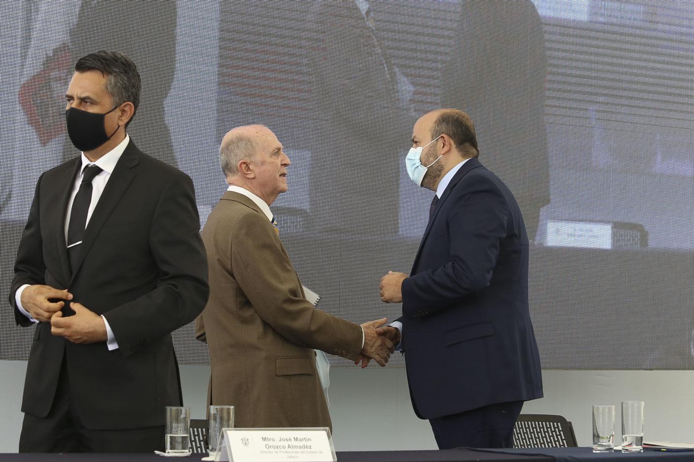 Rinde el doctor Miguel Ángel Navarro, Informe de actividades 2020. Este campus, a punto de ser uno de los centros líderes en generación de energía, destacó el Rector General