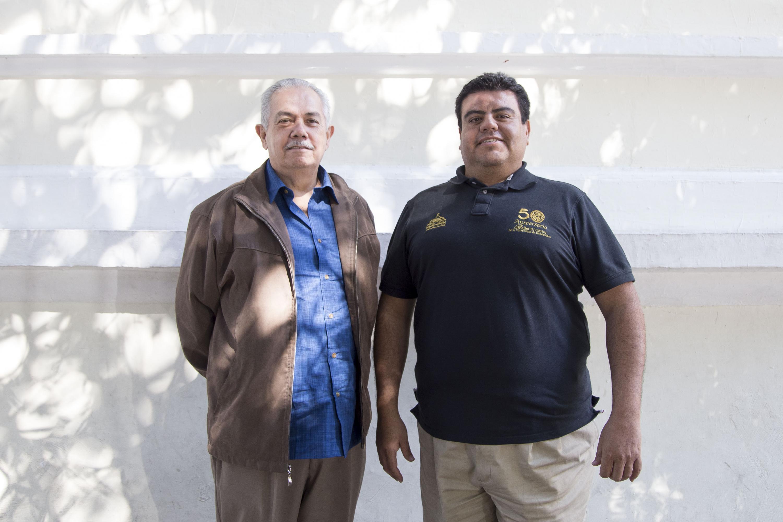 Director Artístico del grupo, Carlos Ernesto Ochoa y el Director Coral y Musical del ballet, José Juan Ávila Guerrero.