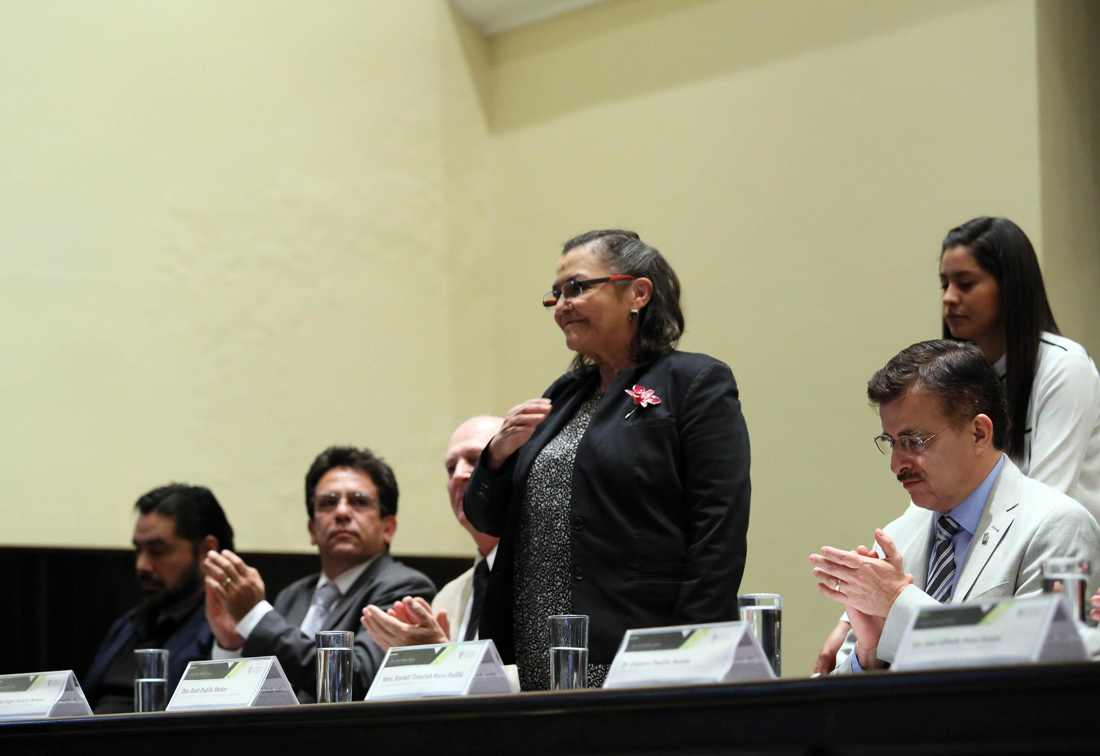Doctora Ruth Padilla Muñoz en acto de toma de protesta