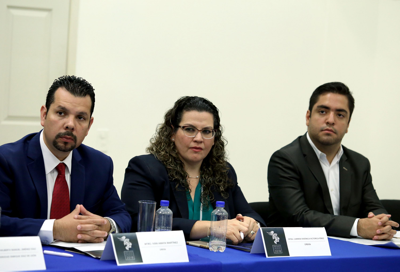 Ponentes participando en la Presentación de la convocatoria 2018 del premio.