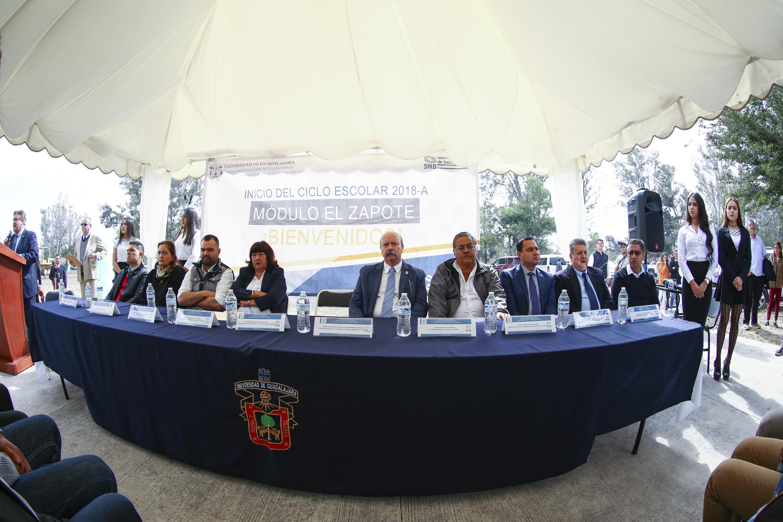 La mesa la presidió el director de SEMS, el maestro Javier Espinoza de los Monteros Cárdenas