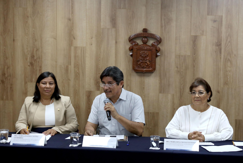 Investigadores de la Universidad de Guadalajara en rueda de prensa del Día Mundial contra el Trabajo Infantil